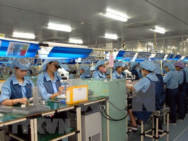 Vietnam reconoce a empresas destacadas en mejoramiento de condiciones de vida de empleados hinh anh 1