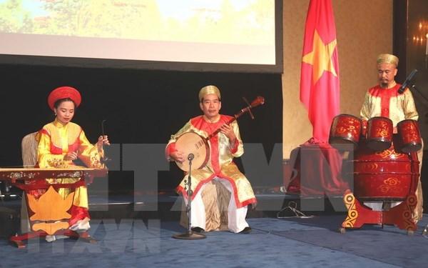 Presentan particularidades culturales y gastronomicas de Vietnam en Singapur hinh anh 1