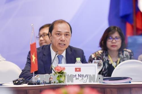Vietnam se compromete a promover practicamente la cooperacion EAS hinh anh 1