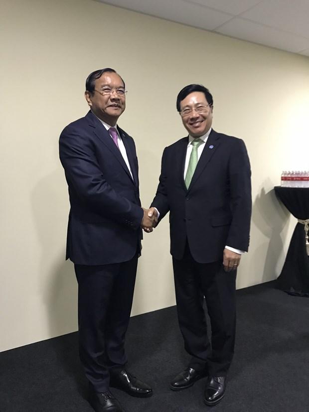 Vicepremier de Vietnam cumple amplia agenda al margen de reunion de ASEAN hinh anh 1