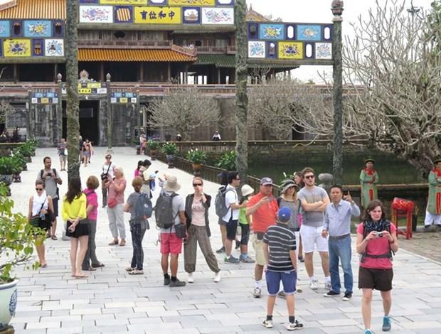 Provincia vietnamita de Thua Thien-Hue recibe 1,15 millones de turistas extranjeros hinh anh 1