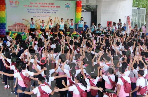 Campamento de verano fortalece amistad entre infantes de Vietnam, Laos y Camboya hinh anh 1