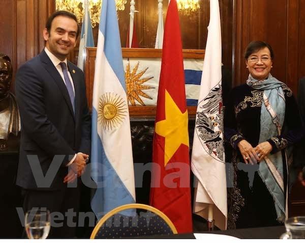 Ciudad Ho Chi Minh y Buenos Aires fomentan lazos de amistad hinh anh 1