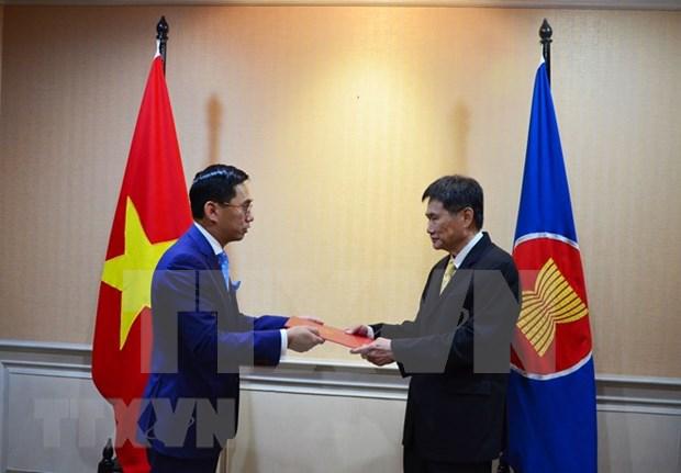 Vietnam ratifica compromiso con fortalecimiento de la Comunidad de ASEAN hinh anh 1