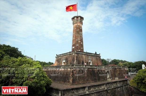 Aceleran construccion simbolica de la Torre de la Bandera de Hanoi en Ca Mau hinh anh 1