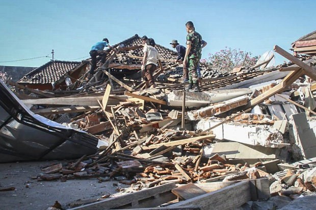 Isla Lombok de Indonesia se elevo 25 centimetros tras sismo hinh anh 1