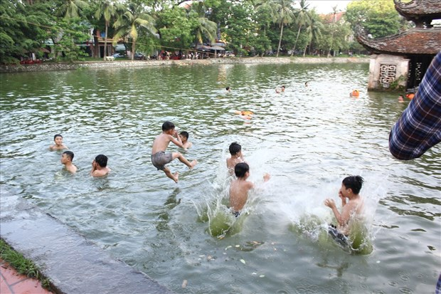 Piscina natural ayuda a reducir numero de ninos victimas de accidentes relacionados con el agua en Vietnam hinh anh 2