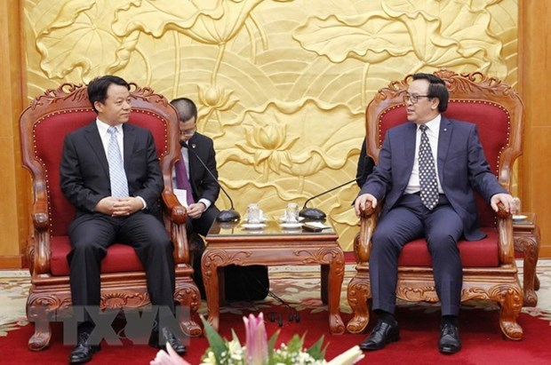 Delegacion juvenil de China visita Vietnam hinh anh 1