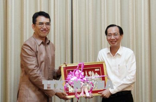 Laos adquiere experiencias de Ciudad Ho Chi Minh en desarrollo tecnologico hinh anh 1