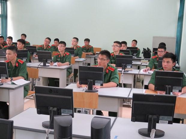 Militares de Asia intercambian en Vietnam sobre ensenanza de idioma ingles en ejercito hinh anh 1