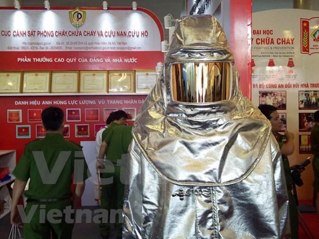 Celebran en Vietnam exposicion internacional sobre extincion de incendios hinh anh 1