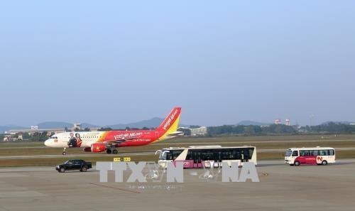 Vietjet Air suspende vuelos nacionales e internacionales por tormenta Bebinca hinh anh 1