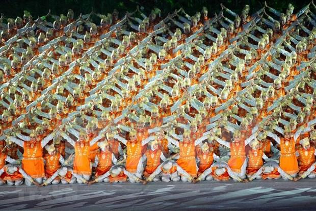 Juegos Asiaticos comienzan en Indonesia con espectacular ceremonia de inauguracion hinh anh 1