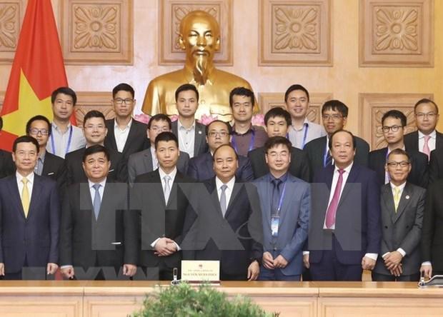 Premier de Vietnam respalda contribucion de residentes en extranjero a desarrollo tecnologico nacional hinh anh 1