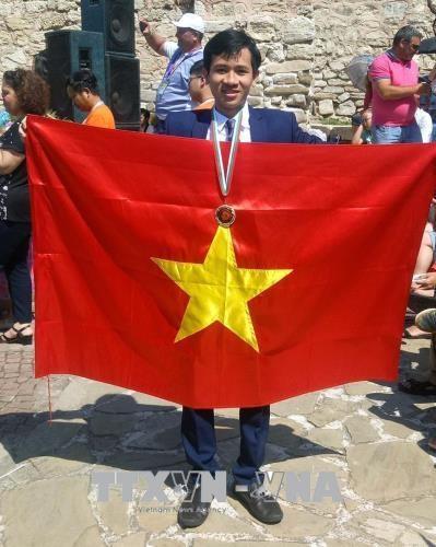Estudiante vietnamita gana medalla de oro en concurso Matematica sin fronteras hinh anh 1