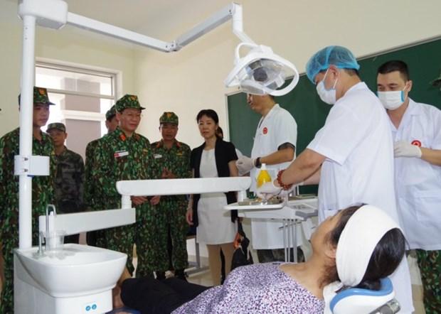 Vietnam y China ofrecen examen y tratamiento medicos en area fronteriza compartida hinh anh 1