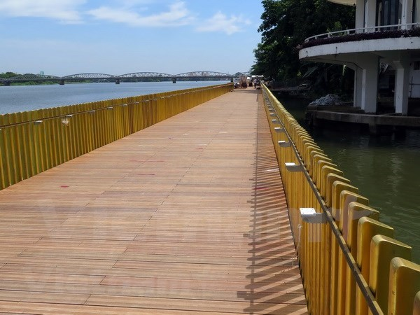 Ultiman construccion de ruta peatonal financiada por Corea del Sur en provincia vietnamita hinh anh 1