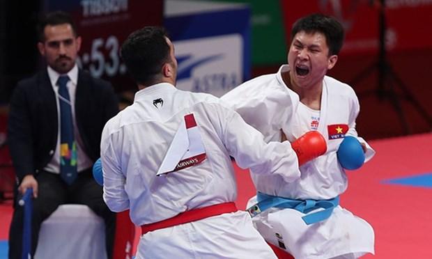 Vietnam gana una medalla de plata en karate en ASIAD hinh anh 1