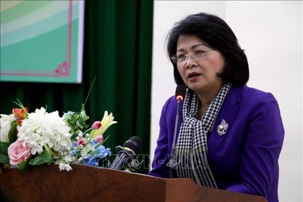 Vicepresidenta vietnamita visita distrito norteno de Hai Hau hinh anh 1