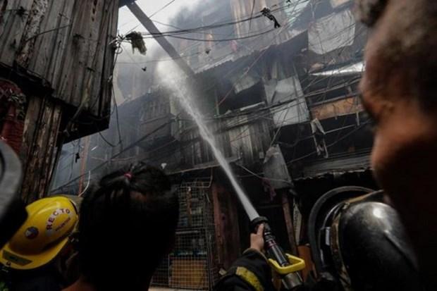 Al menos cinco ninos muertos por incendio en Filipinas hinh anh 1