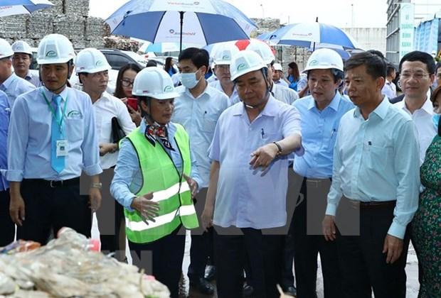 Premier de Vietnam insta al desarrollo sostenible del turismo de provincia de Quang Binh hinh anh 1