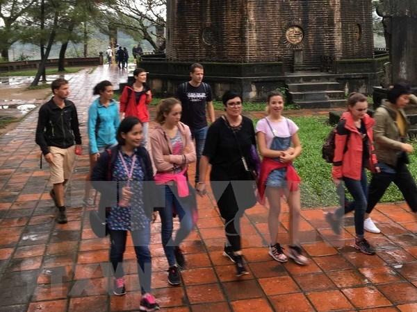 Mas de 10 millones de turistas extranjeros visitan Vietnam en primeros ocho meses de 2018 hinh anh 1