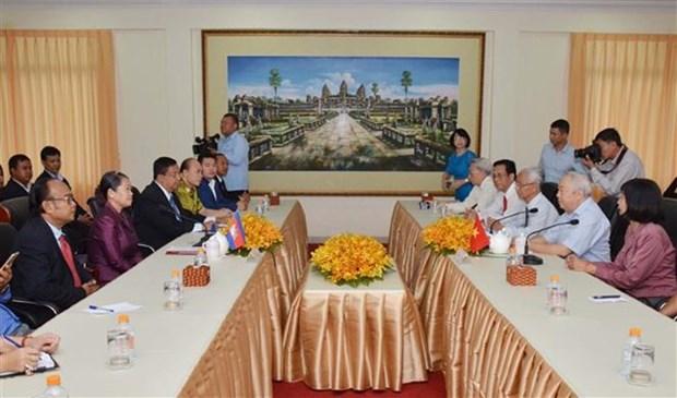 Asociaciones de amistad de Vietnam y Camboya por profundizar cooperacion hinh anh 1