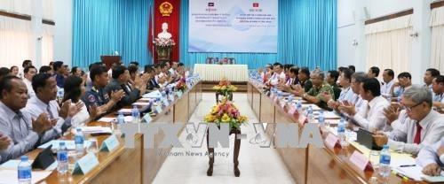 Provincias de Vietnam y Camboya trabajan para consolidar la amistad bilateral hinh anh 1