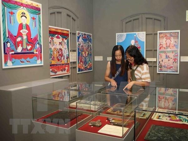 Pinturas folcloricas de Vietnam se presentan en antigua ciudadela de Hanoi hinh anh 1