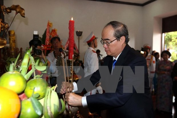 Rinden homenaje al Presidente Ho Chi Minh en ocasion del Dia Nacional hinh anh 1