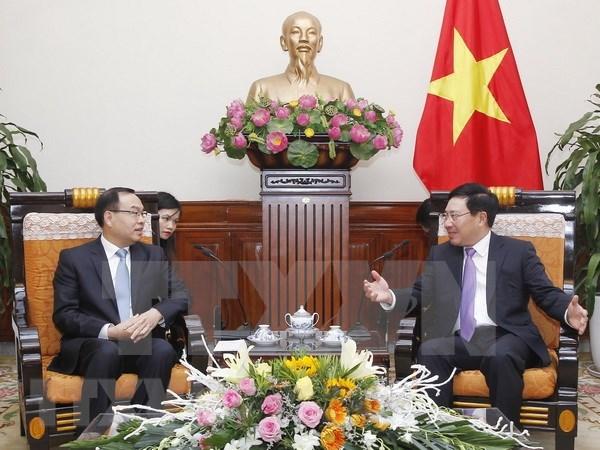Vietnam concede importancia a la cooperacion con localidades chinas, afirma vicepremier hinh anh 1