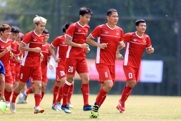 Premier de Vietnam entrega certificado de merito al equipo olimpico de futbol hinh anh 1