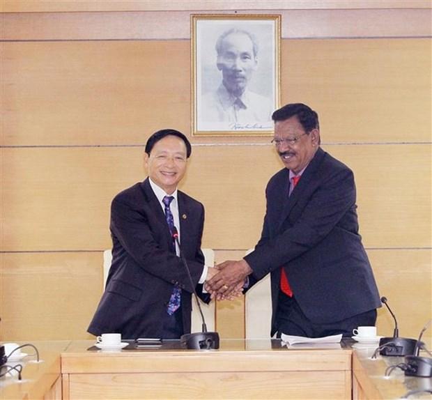Fortalecen intercambio amistoso Vietnam y la India hinh anh 1