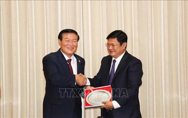 Ciudad Ho Chi Minh y localidad surcoreana de Gangwon agilizan lazos en sectores potenciales hinh anh 1