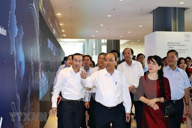 Premier vietnamita examina preparativos para Foro Economico Mundial sobre ASEAN 2018 hinh anh 1