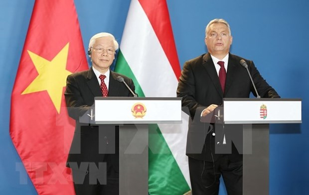 Vietnam y Hungria emiten Declaracion conjunta sobre establecimiento de asociacion integral hinh anh 1