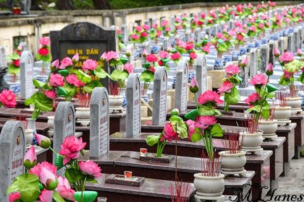 Historia de Quang Tri contada por sus cementerios hinh anh 1