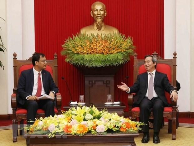 Dirigente partidista reafirma politica de Vietnam de facilitar condiciones para inversores hinh anh 1