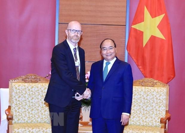 Facebook es amigo cercano de Vietnam, destaca premier Xuan Phuc hinh anh 1