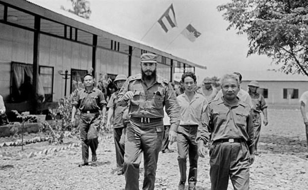 Fidel Castro: gran amigo de Vietnam hinh anh 1