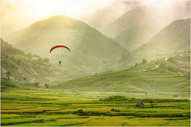 Celebraran festival de parapentes en zonas montanosas en el norte de Vietnam hinh anh 1