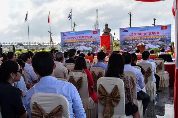 Plaza Fidel Castro en el centro de Vietnam hinh anh 3