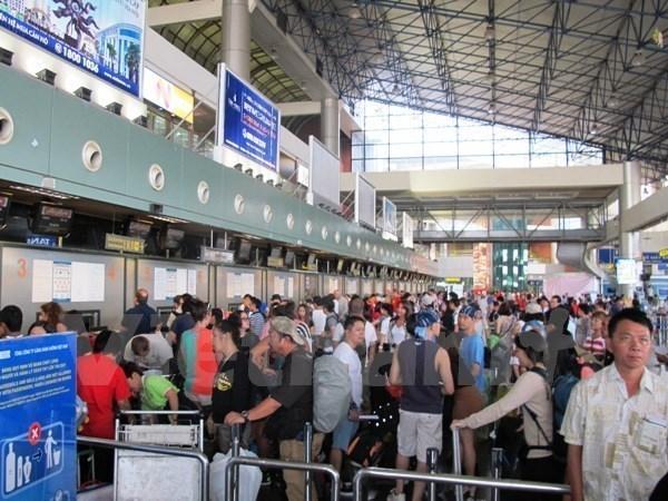 Pasajeros transportados por via aerea rebasaran los 100 millones en Vietnam hinh anh 1