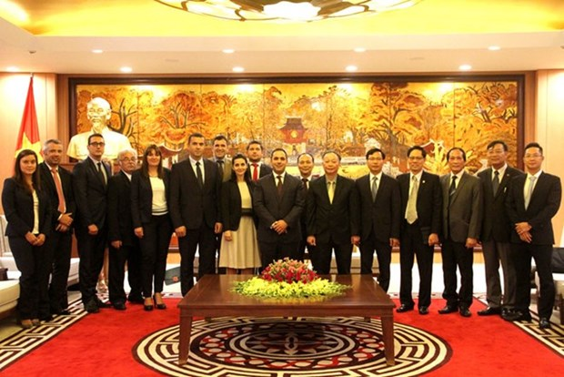 Hanoi dinamiza cooperacion con localidades de Bulgaria hinh anh 1