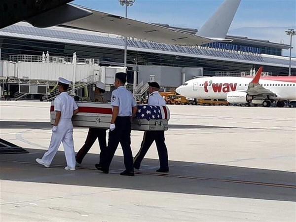 Repatriados restos de militares estadounidenses caidos durante la guerra en Vietnam hinh anh 1