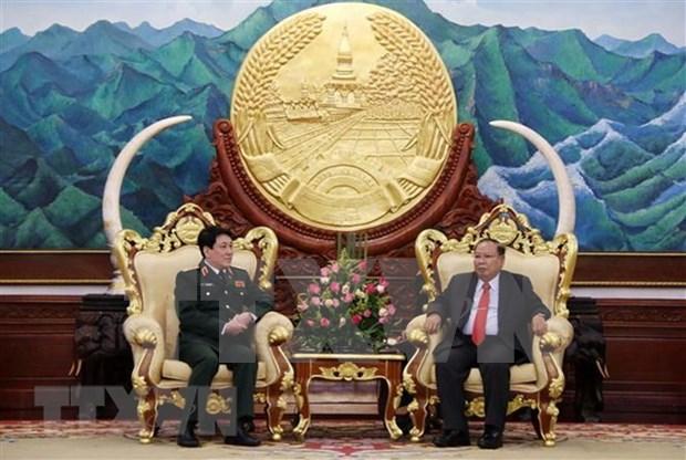 Robustecen Vietnam y Laos nexos en defensa hinh anh 1