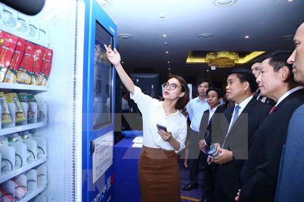 Hanoi estudia medidas para acelerar la construccion de urbe inteligente, segura y amigable hinh anh 1