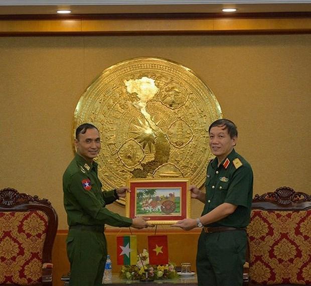 Vietnam y Myanmar impulsan cooperacion militar mediante intercambios entre oficiales hinh anh 1