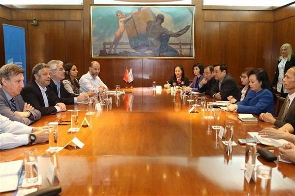 Vietnam y Argentina fomentan nexos de cooperacion en sector de salud hinh anh 1