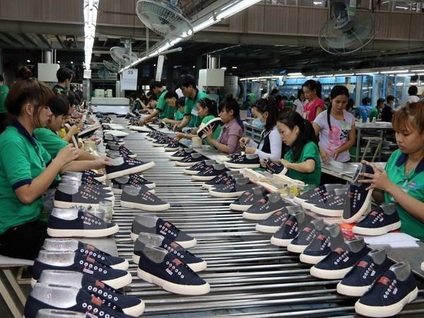 Vietnam ingresa ocho mil 600 millones de dolares por ensamblaje de productos del exterior hinh anh 1